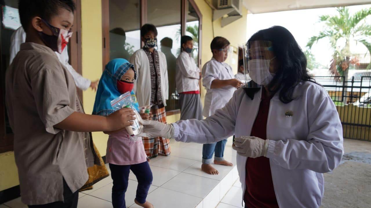 OASE-KIM dan DWP Kemenkes RI Berikan Bantuan Kepada Panti Asuhan di Cibubur