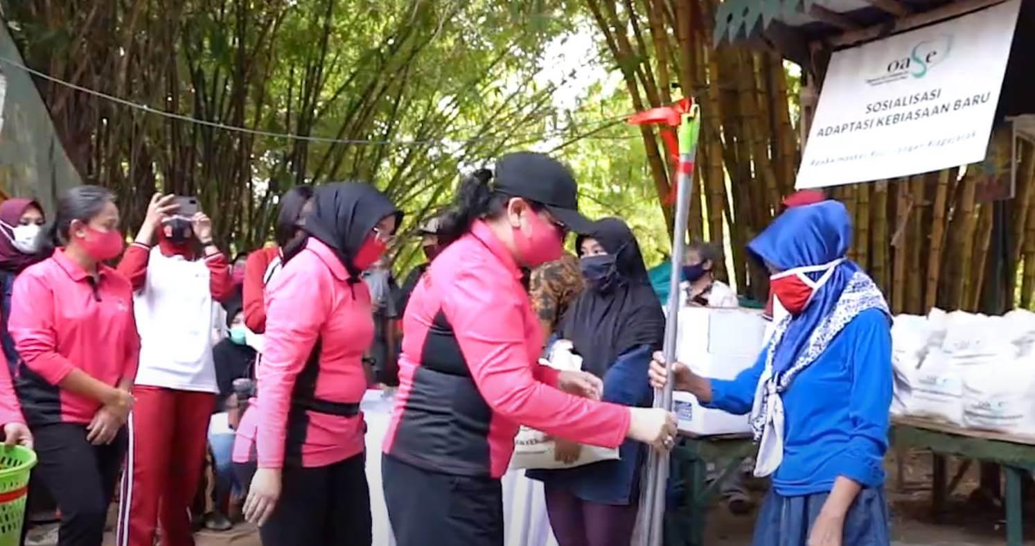 Bakti Sosial OASE Kabinet Indonesia Maju Bersama Bhayangkari